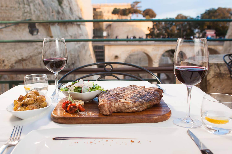Top 10 bars and restaurants in malta vivitravels for Bar food top 10